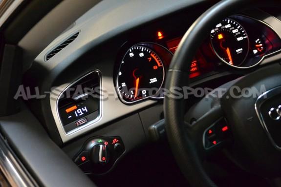 Reloj digital P3 Gauges para rejilla de ventilacion de Audi A4 / S4 y A5 / S5 B8