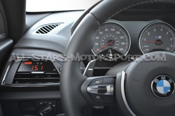 Reloj digital P3 Gauges para rejilla de ventilacion de BMW 135i / 140i / 235i / 240i / M2 F2x